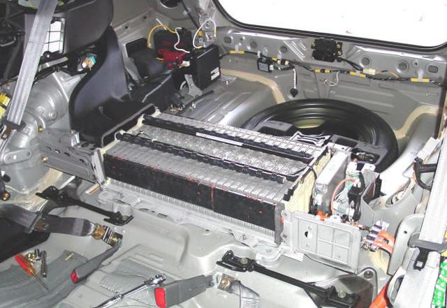 Слабые стороны и недочеты Тойота Приус 20