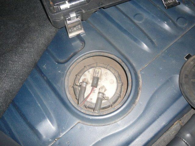Дырка или трещина в бензобаке - решение проблемы